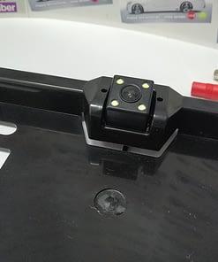 Rikverc kamera na okviru tablice